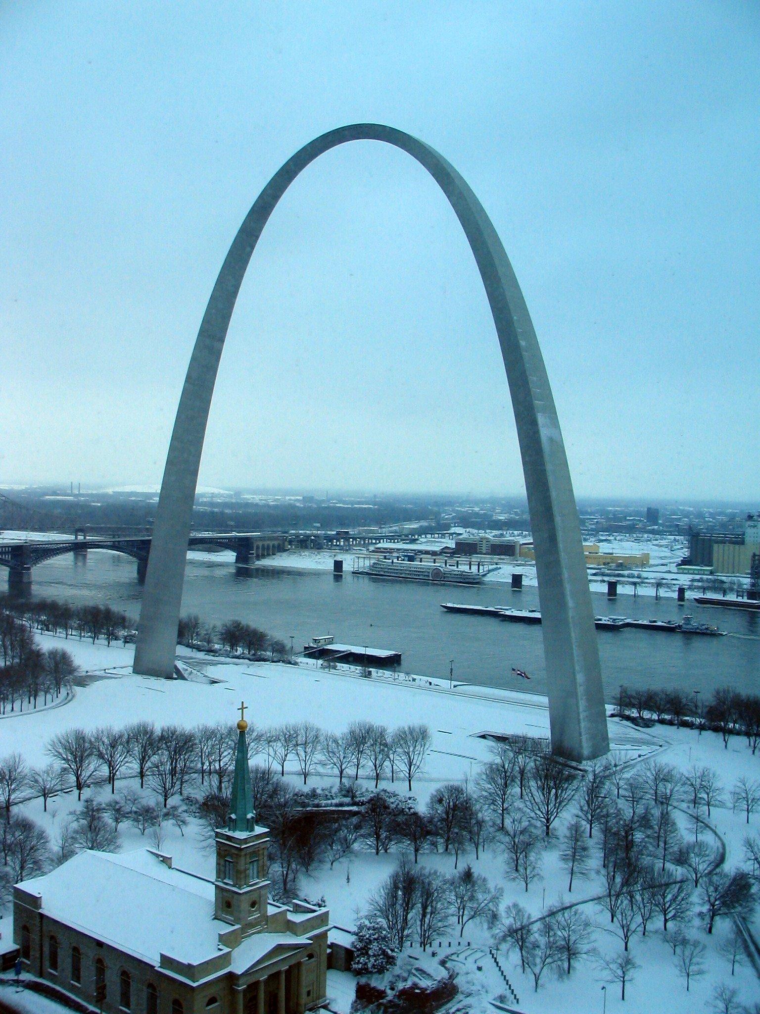 Arch - snow - 9 am.jpg