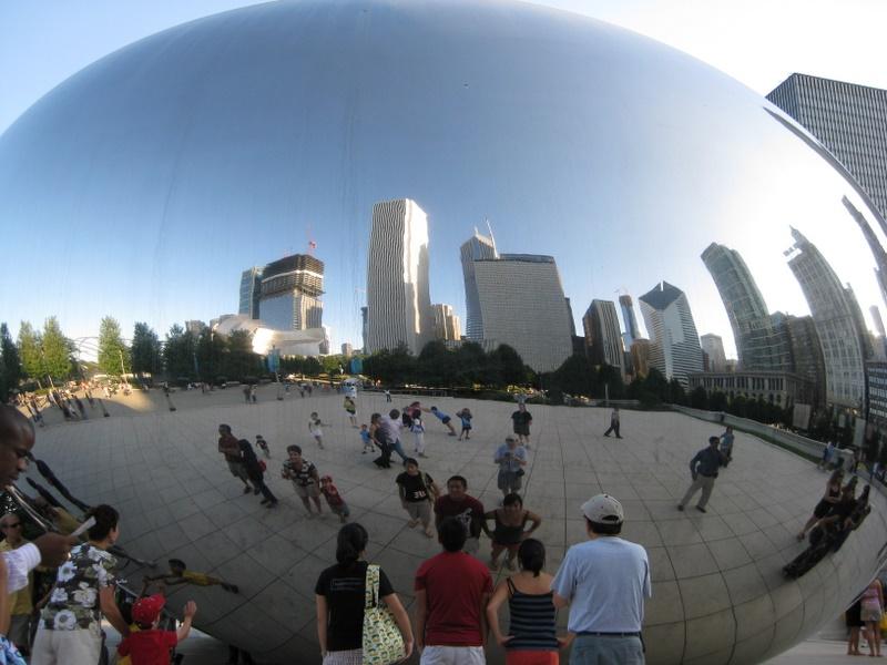 Cloud Gate Chicago S Big Egg Sculpture At Millenium